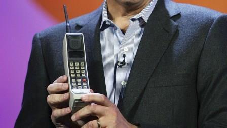 Мобильник DynaTAC 8000X Америтех